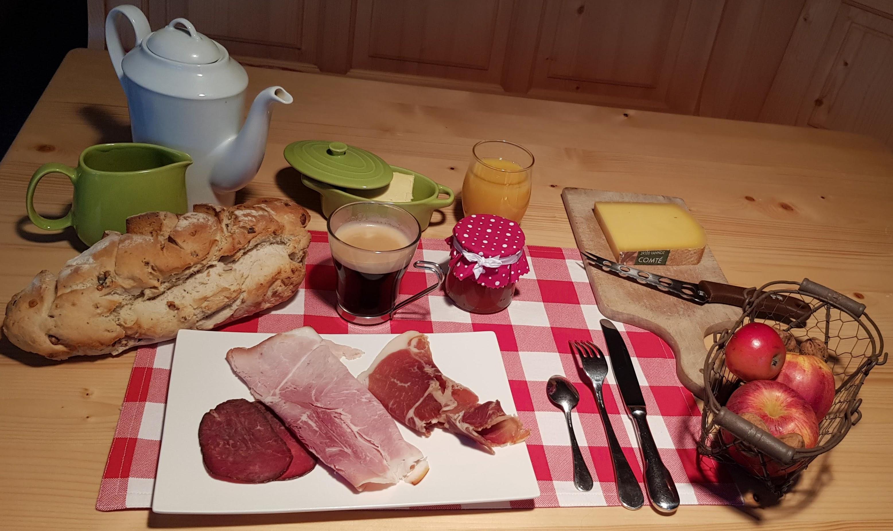 Petit déjeuner jurassien - Gîte Haut Jura